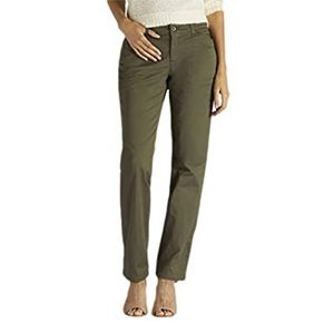 NWOT Lee Everyday Chino Olive Green Pants Trousers